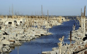 A-view-down-a-former-street-among-the-ruins-of-Villa-Epecuen-Argentina.-In-its-heyday-Epecuen-was-home-to-more-than-5000-residents-and-nearly-300-businesses.Juan-MabromataAFPGetty-Images-650x407